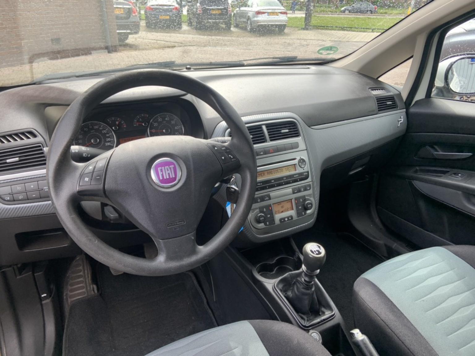 Fiat-Grande Punto-14