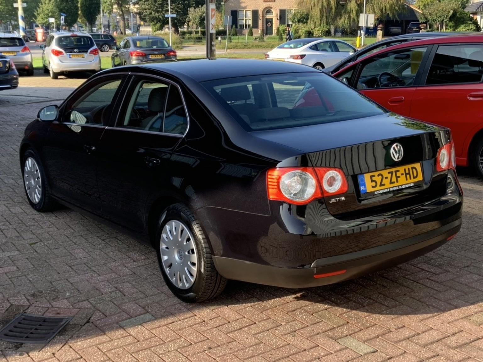 Volkswagen-Jetta-11