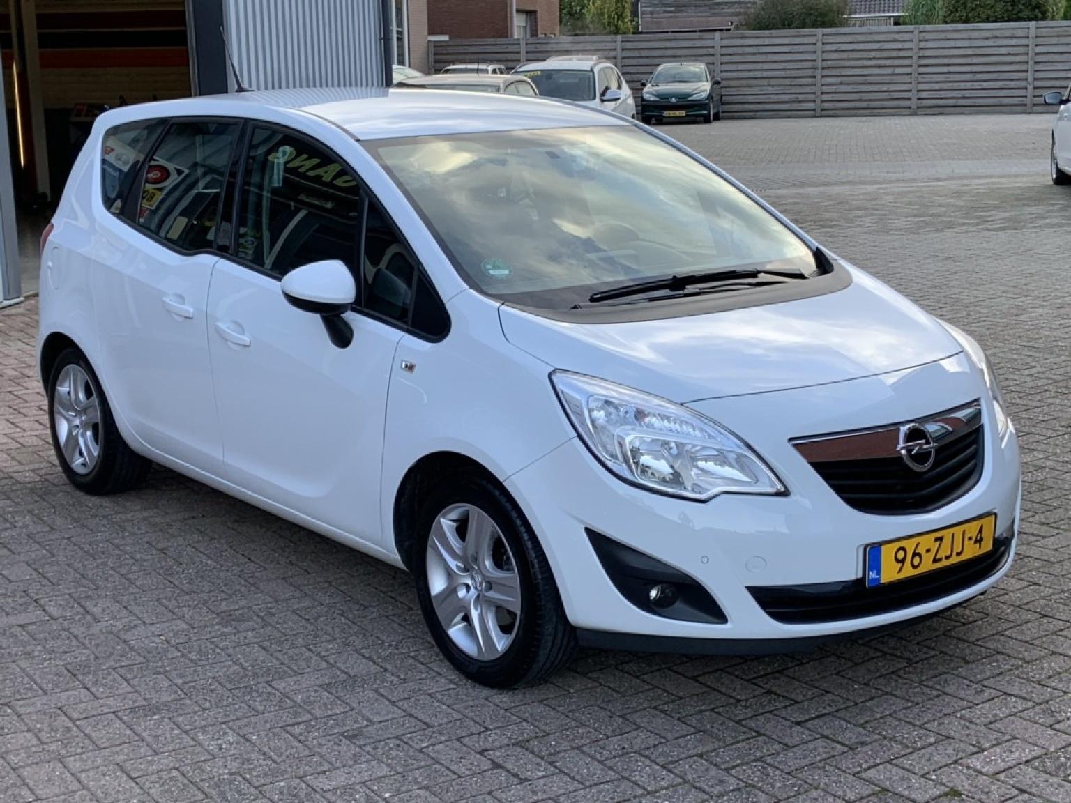 Opel-Meriva-13